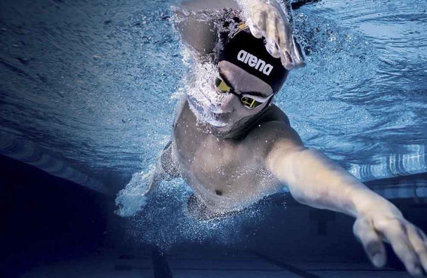 Cómo hacer un correcto mantenimiento de las gafas de natación