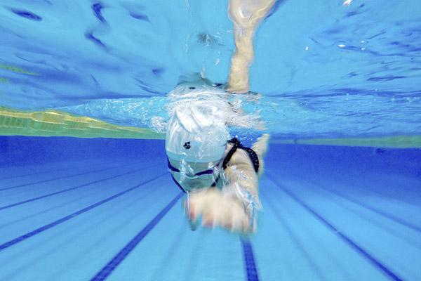 beneficios-de-la-natacion-en-invierno